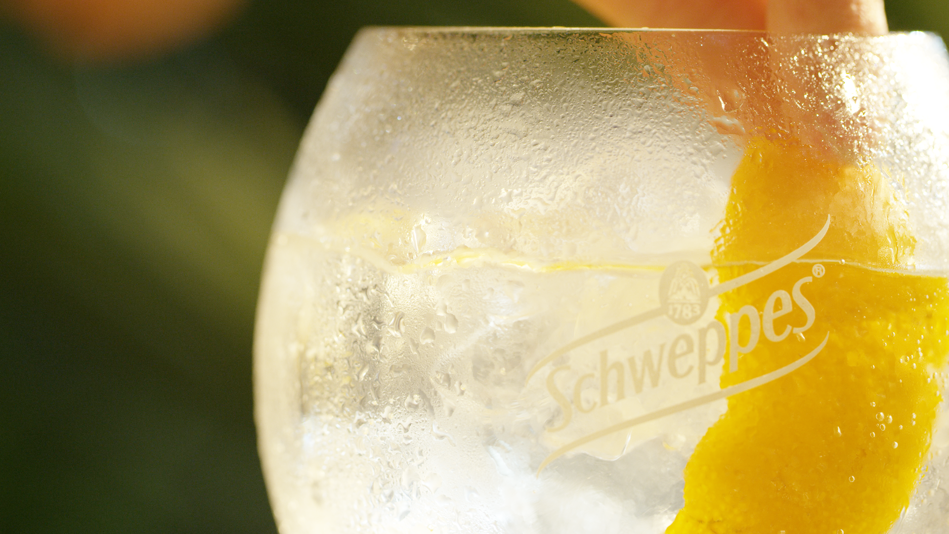 SCHWEPPES – Another world